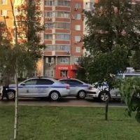 Женщина и двухмесячная девочка госпитализированы после наезда КамАЗа в районе Митино